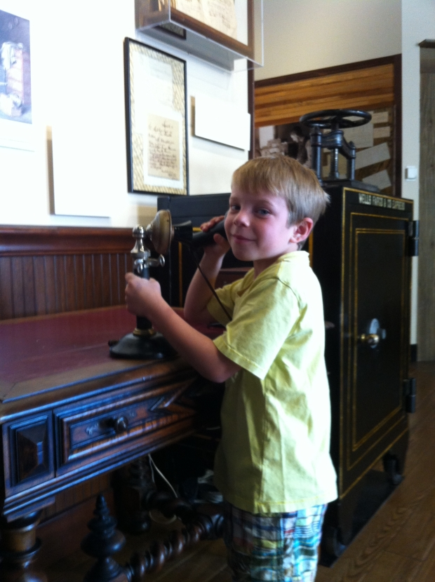 Christian explored the old fashioned phone and the hands on office  (it really works!)